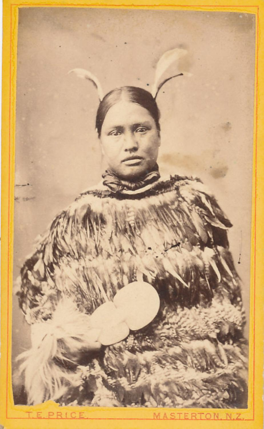 CDV Photo Maori Lady with a Kiota. ( Club ) C