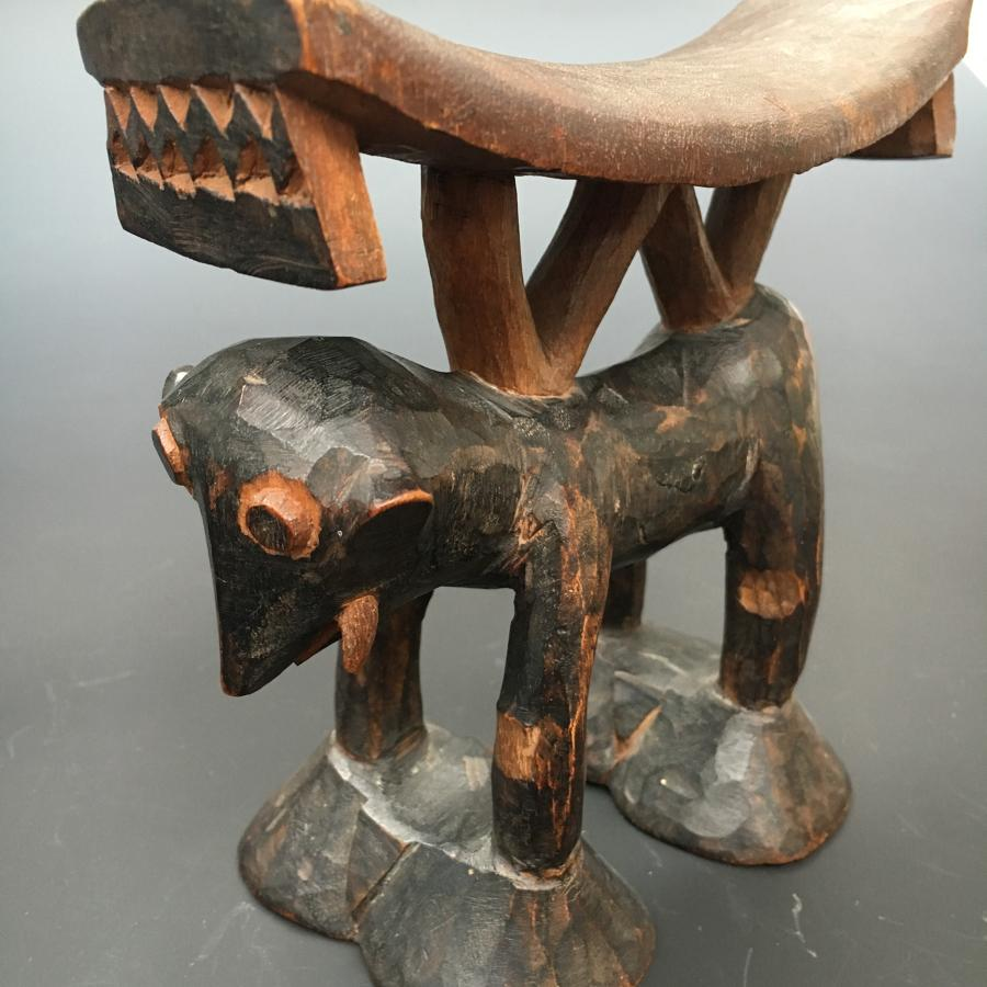 Shona - Tsonga Headrest in the form of an Elephant