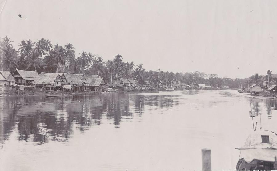 River Scene Makassar Indonesia C1910