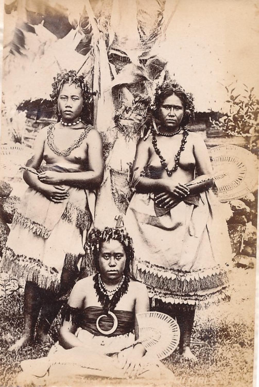 Native Fiji Girls with Fan Suva C1890