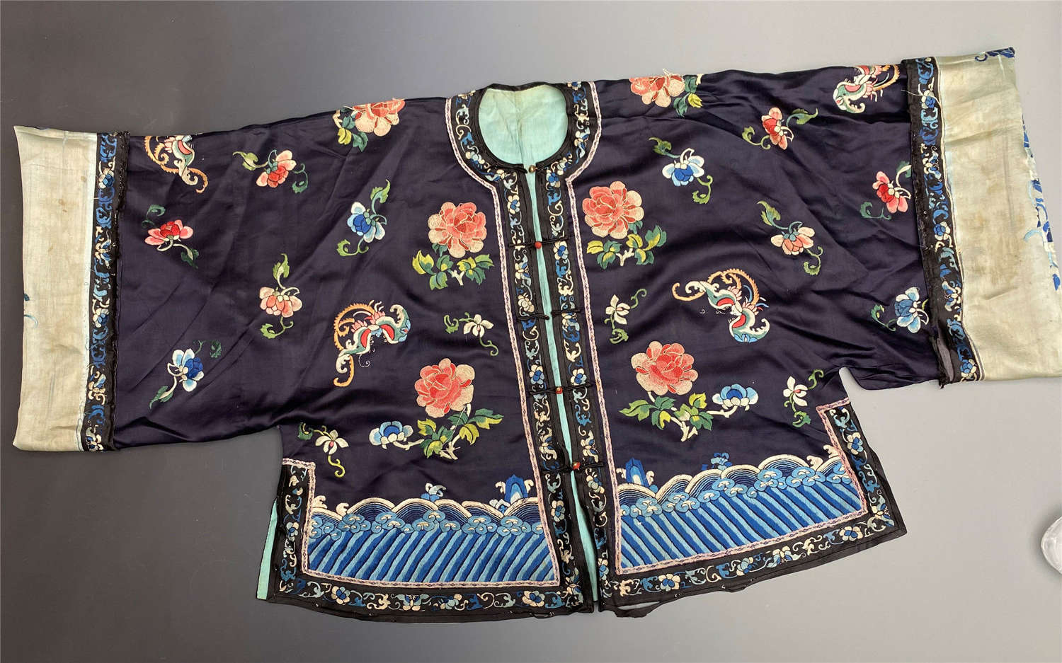 Chinese Embroidered Silk Robe Antique Late 19th Century Qing