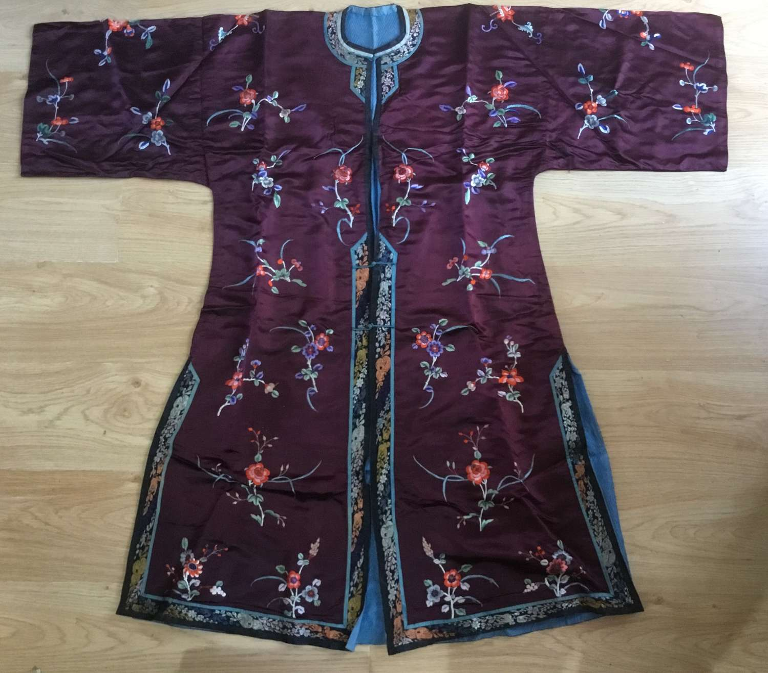 Fine Chinese Silk Embroidered Lady's Robe, C1910