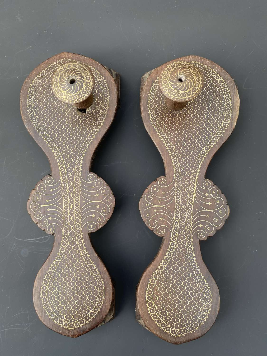 A FINE PAIR OF 19C INDIAN BRASS INLAID WOODEN SANDALS