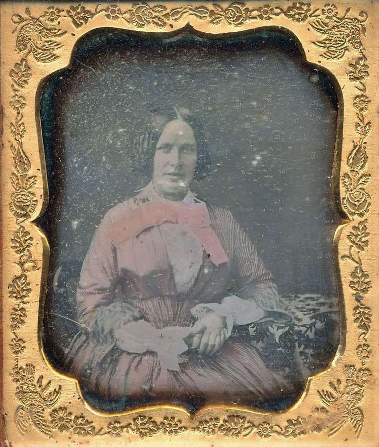 1/6 Plate Hand Tinted Daguerreotype of A Beautiful LadyC1845