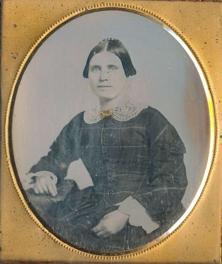 1/6 Plate Daguerreotype of a Young Lady  C1850