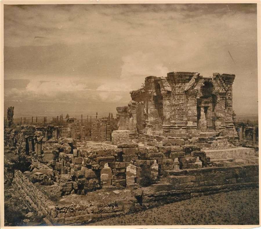 Ancientviewin Kashmir ? Kashmir India C1920